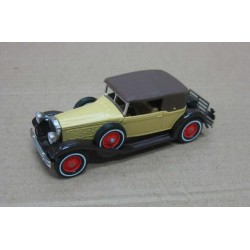 Packard Victoria Dark Sand/Dark Brown 1930 scale 1/46