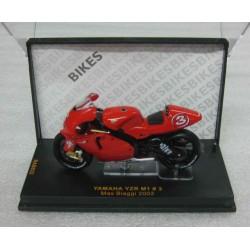Yamaha YZR-M1 500 #3 Max Biaggi 2002 scale 1/24